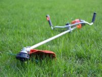 String Eater vs. Weed Eater – What are the Differences?